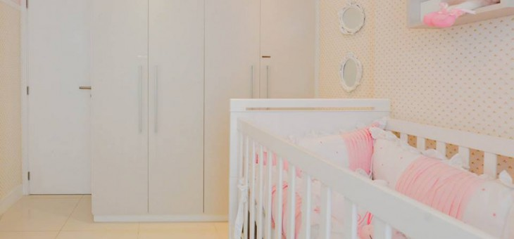 Como usar móveis planejados no quarto do seu bebê