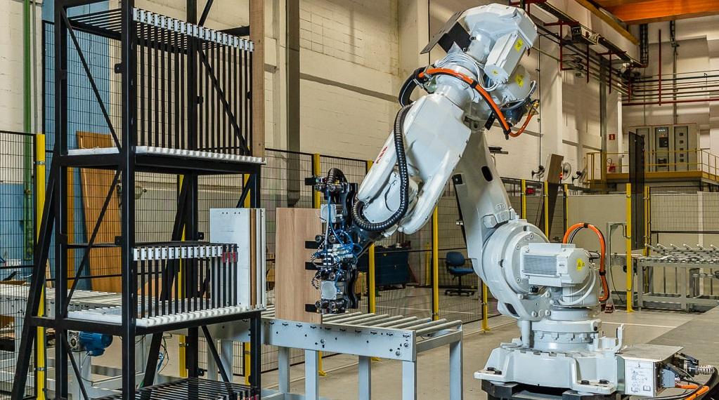 Robô Automação Madeirol Fábrica Móveis Planejados