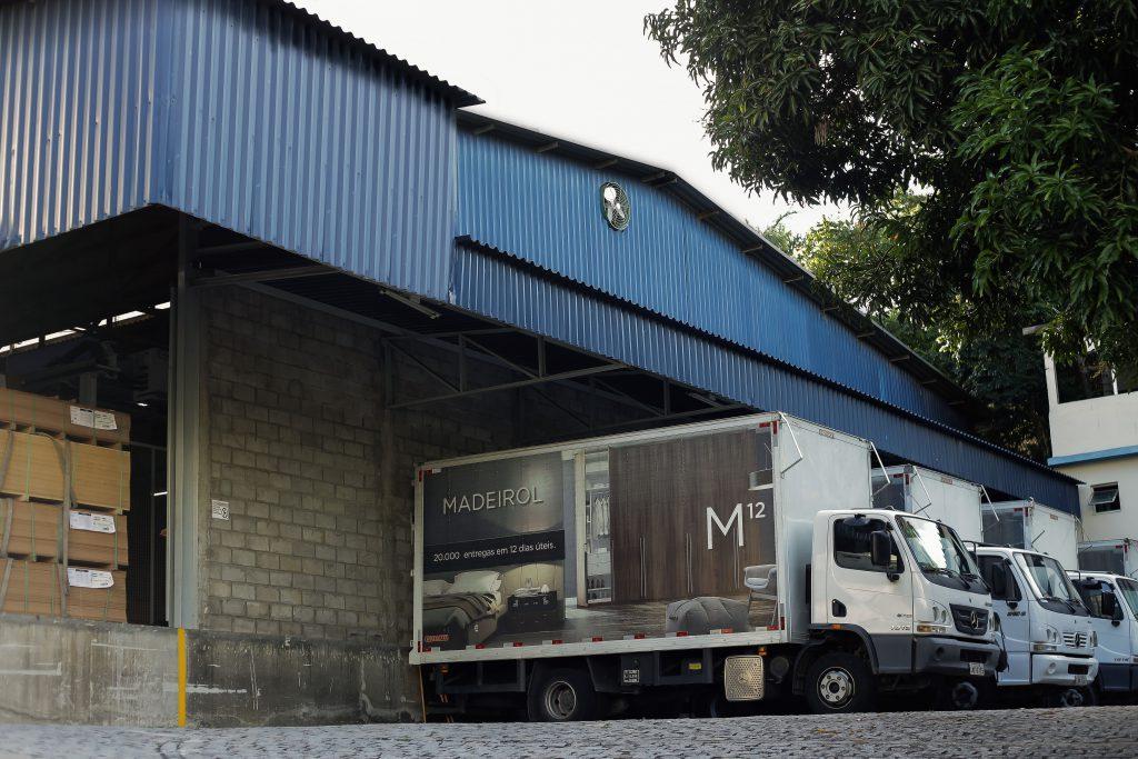 Fábrica Madeirol Caminhão Carregamento